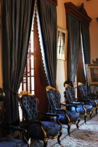 A_Honolulu_Ionani_Palace_blue_room_1